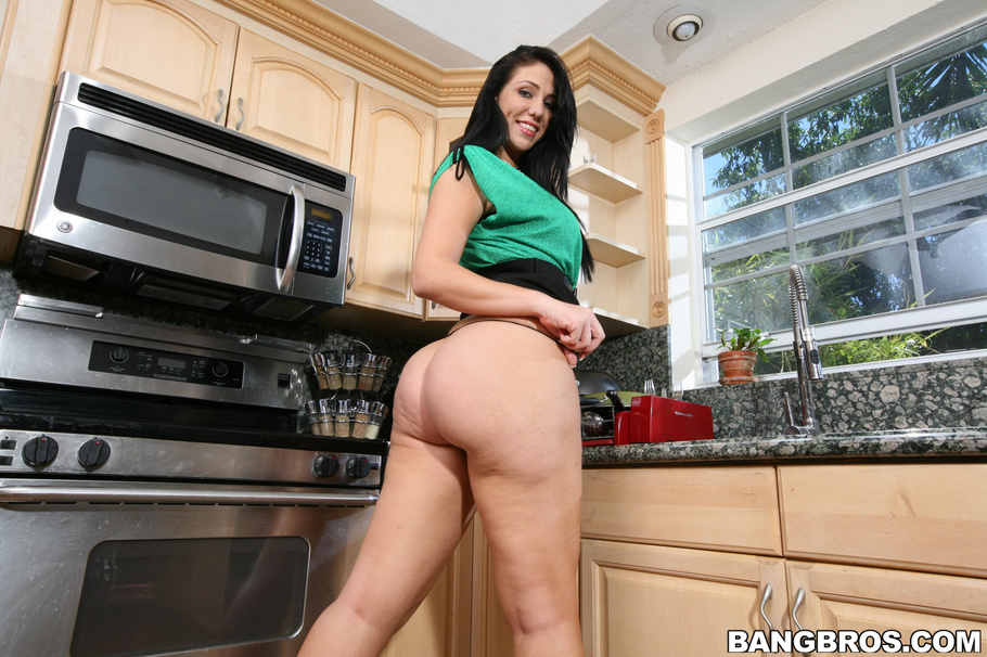 Milfsoup madison rose hot milf with a huge ass
