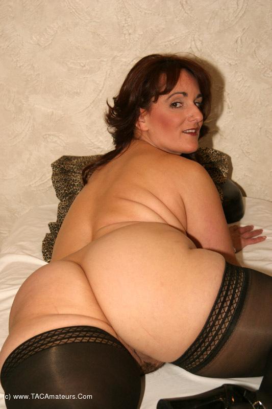 Beautiful large amateur voyeur tits
