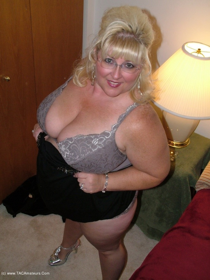 Milf Bbw Taffy Spanx From United States - Youxxxx-2580