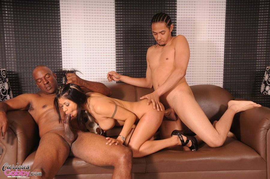 2 Girls 1 Guy Threesome