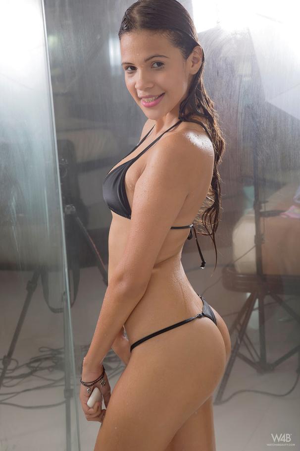Young virgin free naked pics