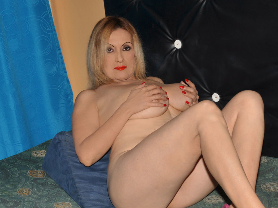 Mature Mom Big Tits Bbc