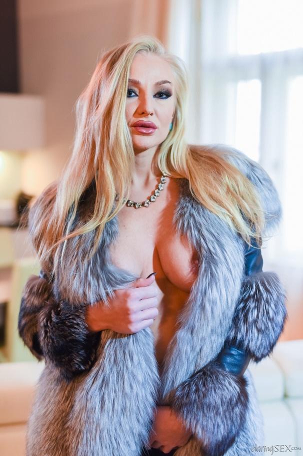 Busty fur coat pic, sleeping girl cummed on