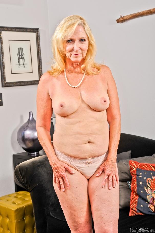 granny blonde nude