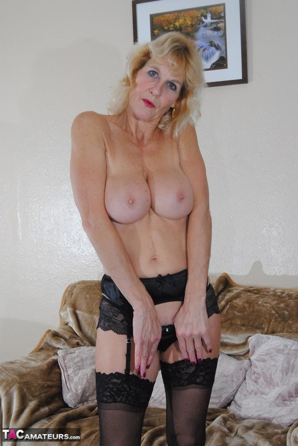 amateur gilf with saggy tits