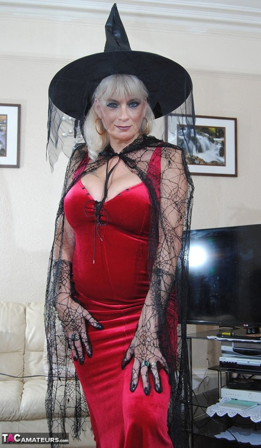 This Alluring Witch Shows Off Her Pale Pussy For The