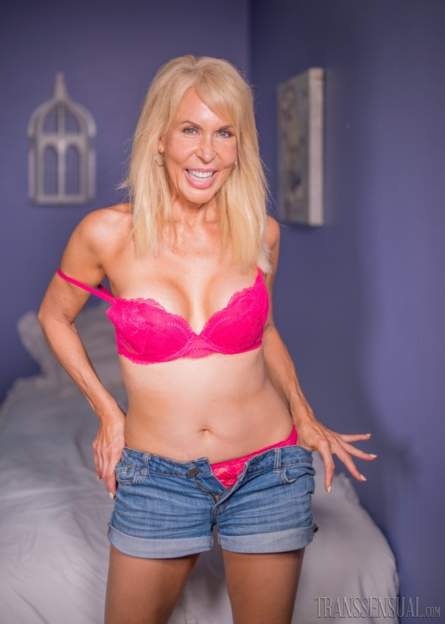Mature tranny photos