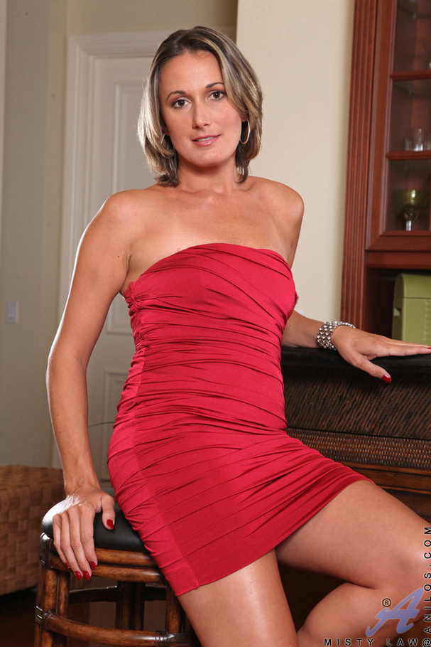 Red milf on counter