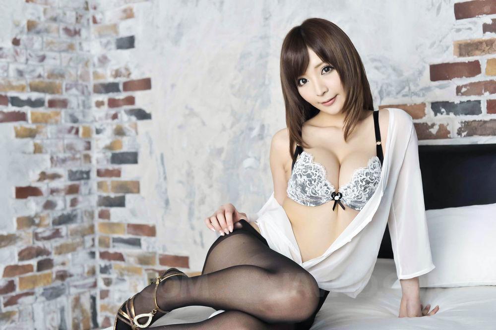 Asian giving blow job in pantihose new sex pics