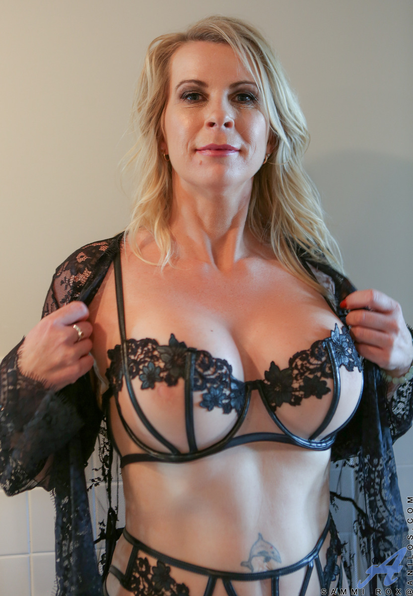 amateur mature wife big tits