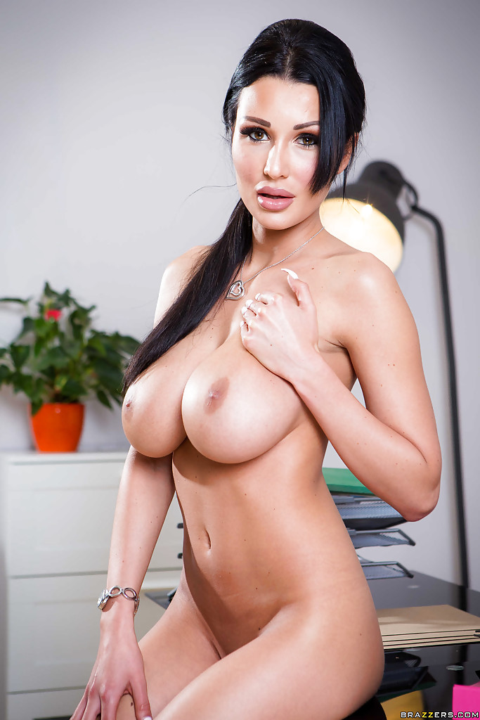 Buxom sexy tits