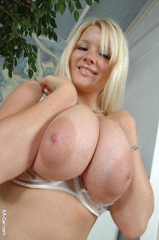 awesome blonde stunner epic