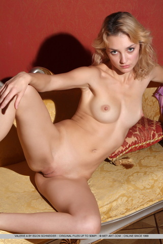 tags big nipples blonde