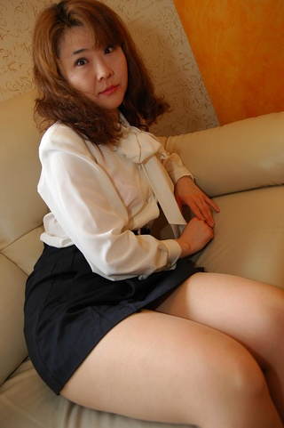 naked mature japanese wife