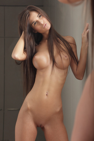 delgado long-haired belleza with