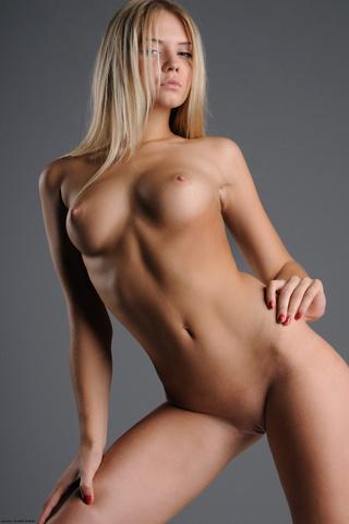 impresionante rubias italianas jovencita