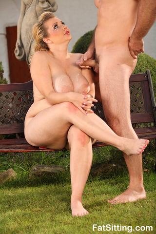 blonde fatty kristy turns