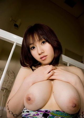 breathtaking japanese beauty posing