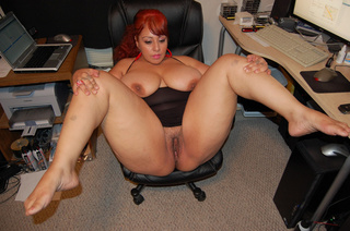 red latina mom shows