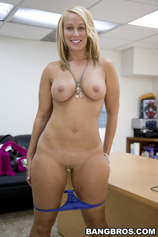 Nude soccer mom handjob videos