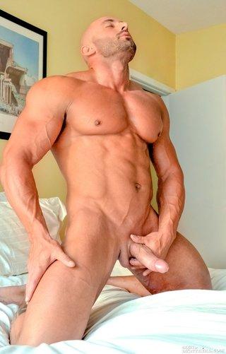amateurs cumming in silky stockings