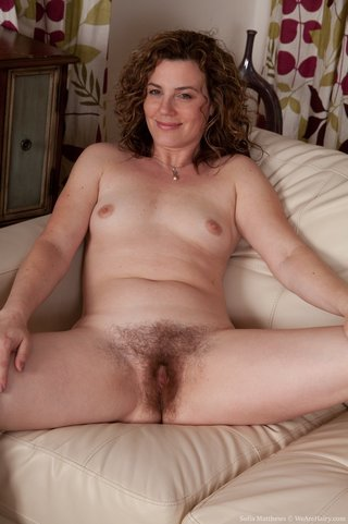 brown haired sofia seductive