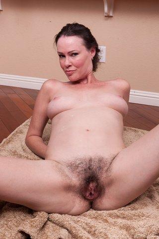 horny chick suck cock