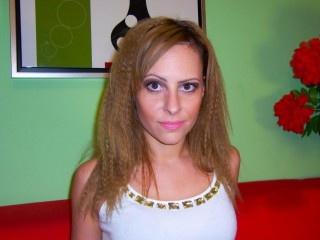 brunette gwenaddams