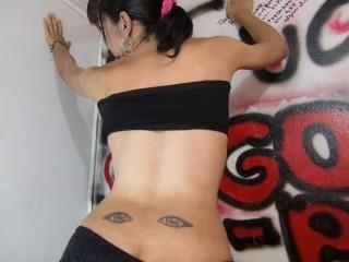 brunette erika perform anal