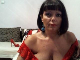 brunette sexymagnifique perform anal