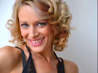 blonde jessicadee perform anal