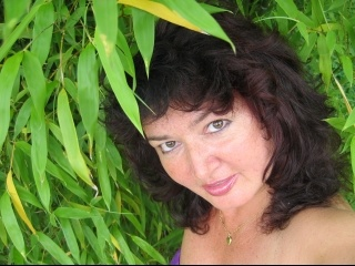 brunette manuela perform anal