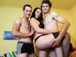 2 boys & 1 girl, couple live sex, white, zoom