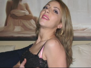 blonde july perform anal