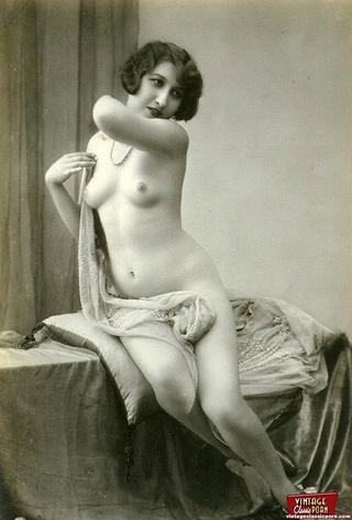 pretty sexy topless vintagegirls