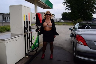 milf nude chrissy from