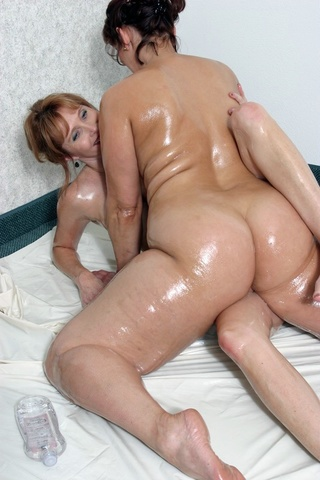 cougar fingering reba from