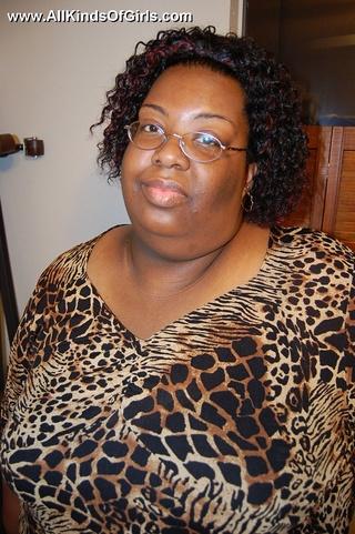 check enormous ebony mom