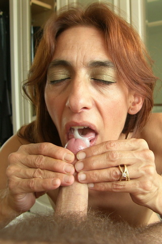 cum swallow jolanda from