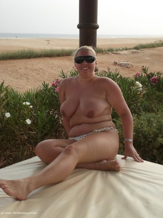 amateur, big cock, striptease, united kingdom