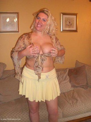 amateur, big tits, milf, united kingdom
