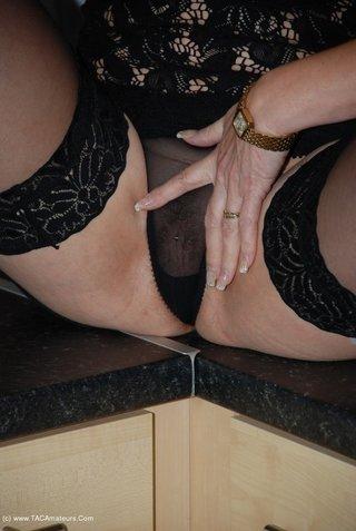 amateur, cougar, panties, united kingdom