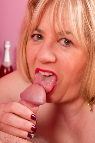 milf blow jobs speedy