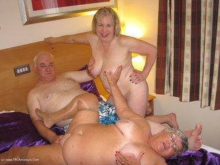amateur, bbw, threesomes, united kingdom