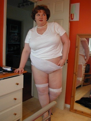 curvy lingerie chris from