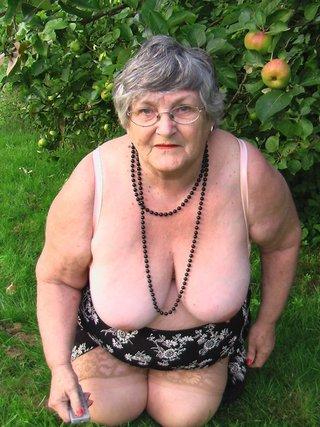 curvy exhibitionist grandma libby