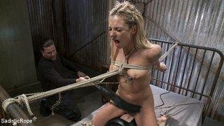 guy hangs babe rope