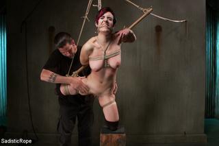 harsh guy folds ropes