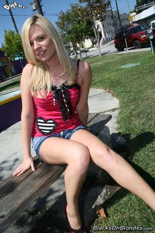 yasmine gold legs