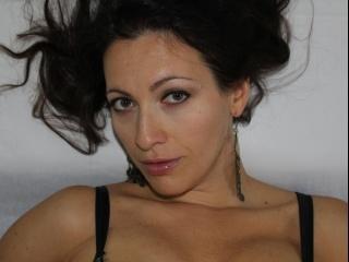 brunette xxxnatalixx live orgasm